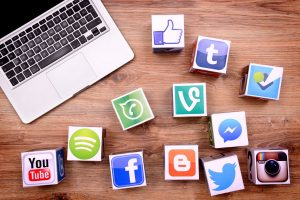 Read more about the article HOW TO OPTIMIZE YOUR SOCIAL MEDIA PROFILE