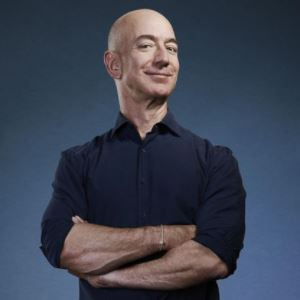 You are currently viewing Jeff Bezos To Step Down As CEO Of Amazon