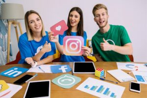 Read more about the article 10 Top Entrepreneurs Share How They Use Instagram to Grow Their Business